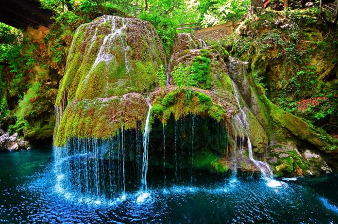 Izvorul bigar waterfall so awesome
