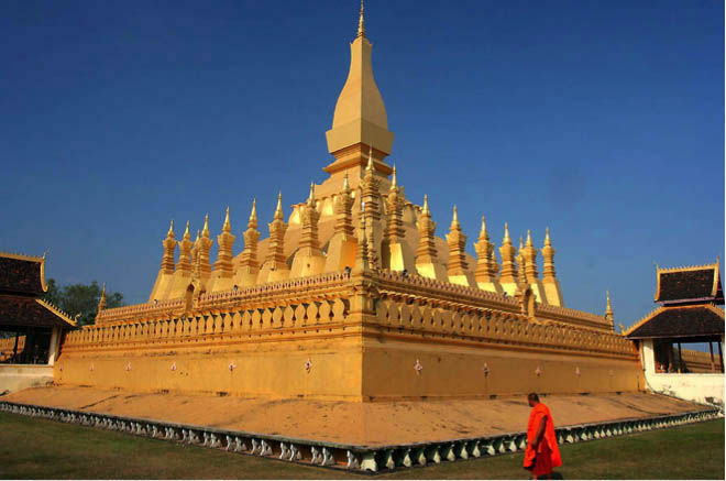 Pha that luang golden temple laos
