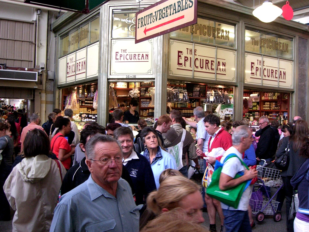 Melbourne queen victoria market crowd