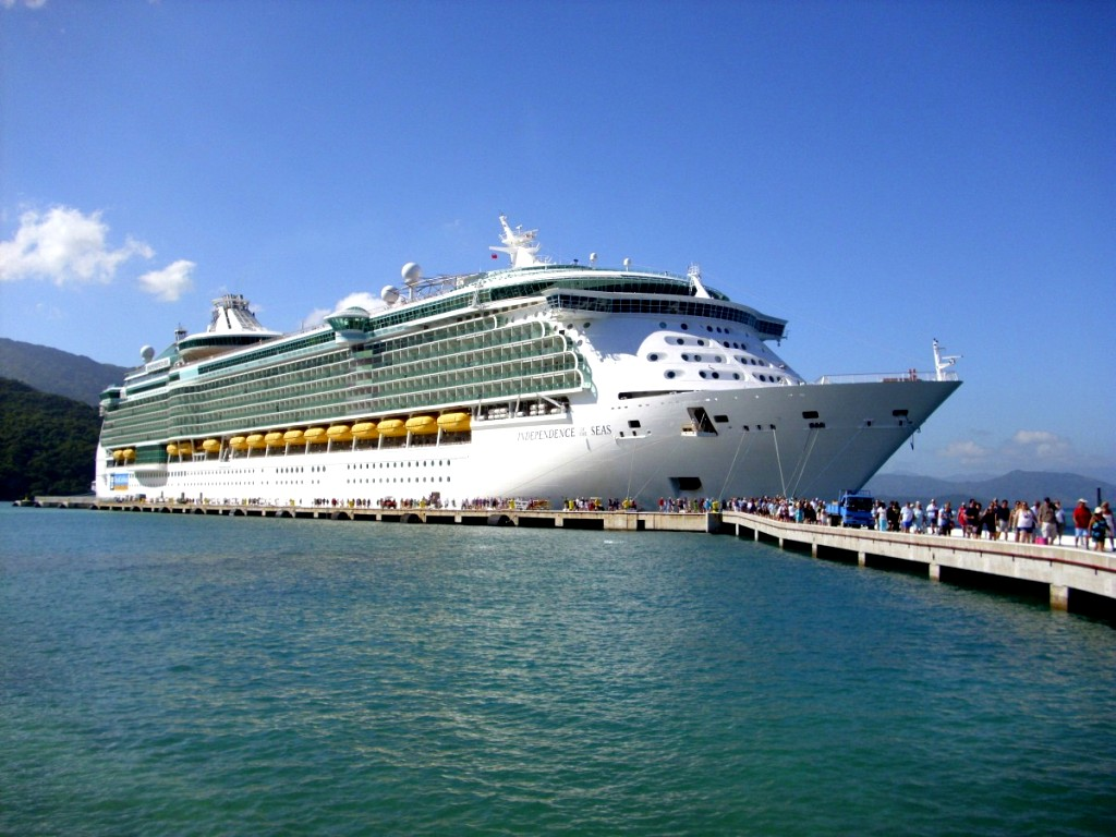Winter Caribbean Cruise-People-boarding