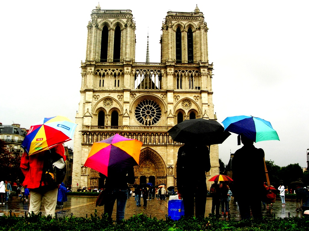 Travel rainy paris